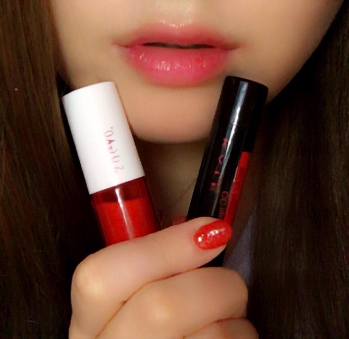 このメイクはリップ主役です(*ˊˋ*) SUGAOのジュレ感リップティントを2度塗りして唇をしっとりさせます。 その次にKATEのCCリップで潤いをカバー。程よい艶感になるので普段使いでも馴染みます。