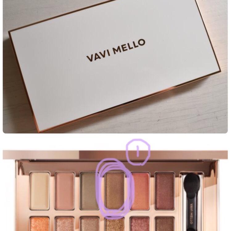 VAVI MELLOバレンタインボックスのアイシャドウパレットの上段右から3番目のブラウンを使いますᵕ̈