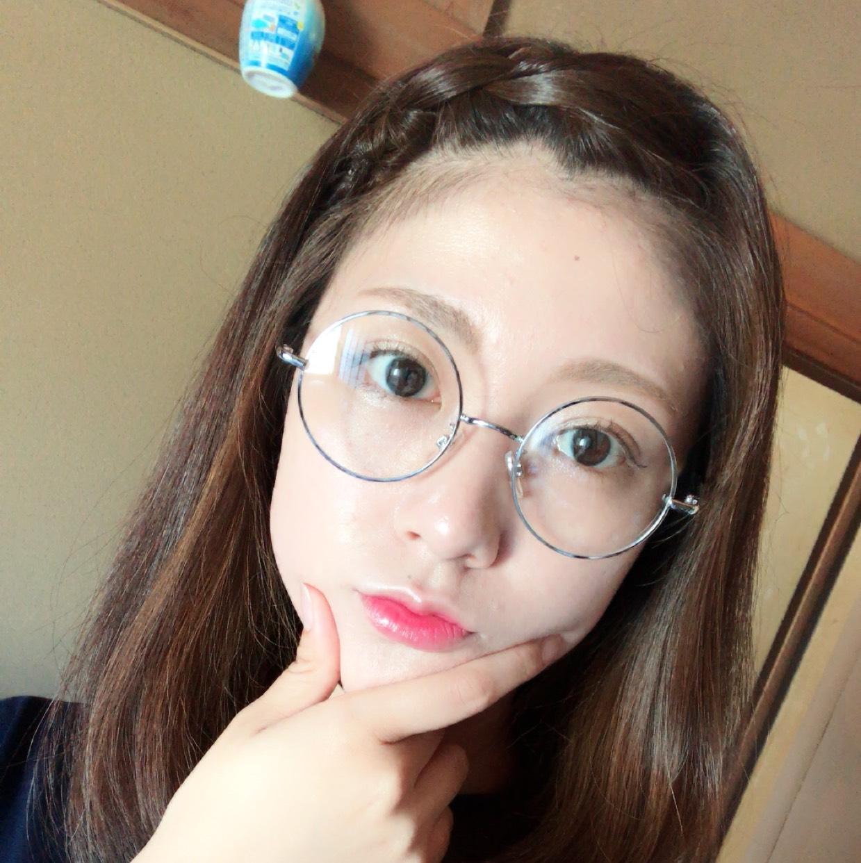 丸メガネメイク