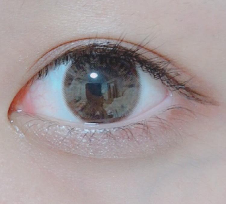 アイライン  一番今回大事かもです! 目の真ん中を一番太く  目尻は垂れ流す感じ  目頭はかまぼこ型に目全体がなるように意識して書く!