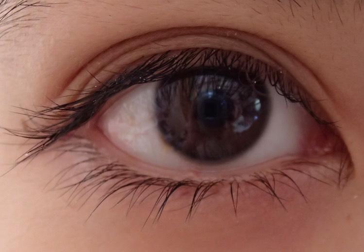 裸眼を一回り大きく!普段メイクのBefore画像
