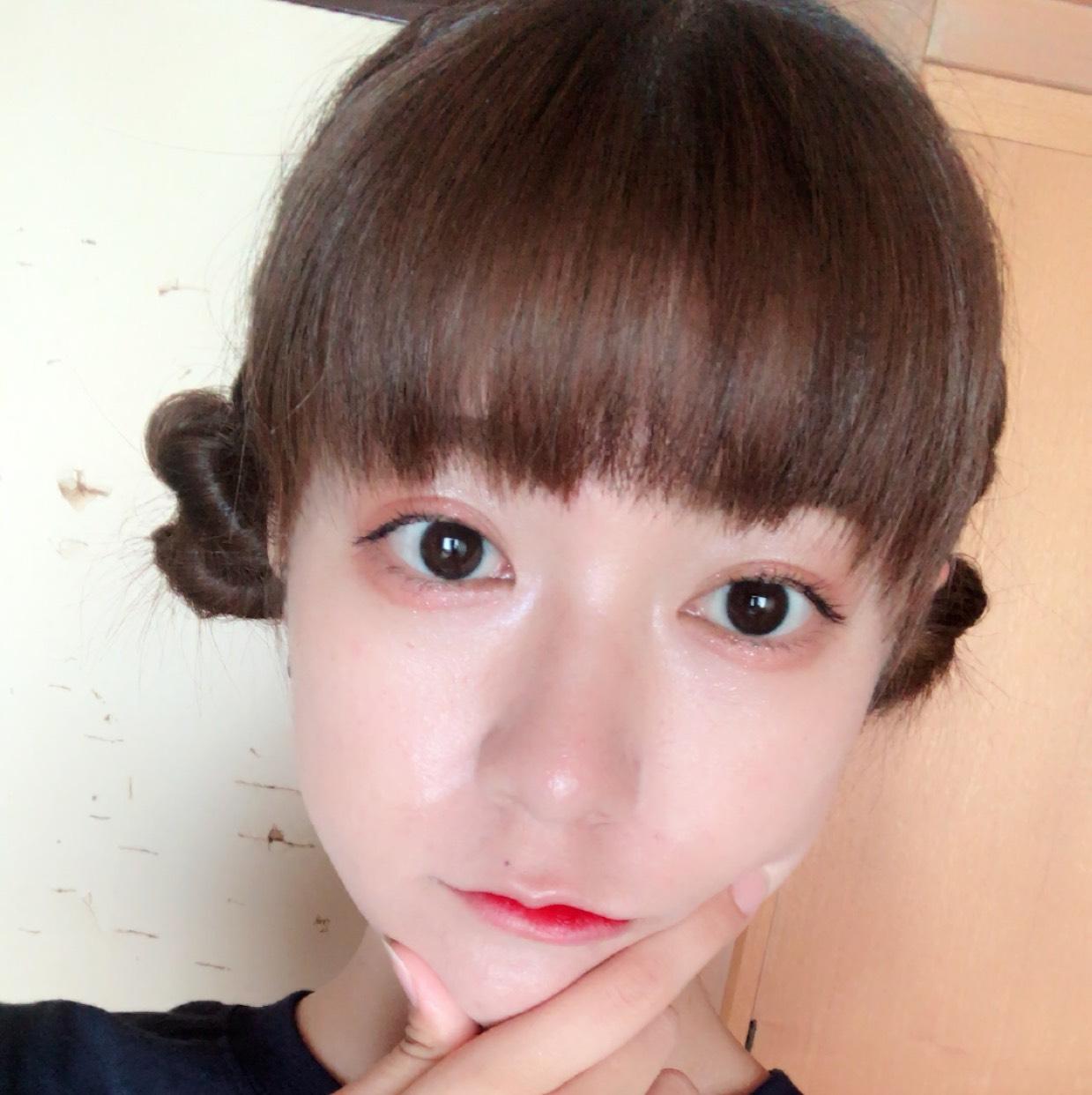 コーラルな韓国メイク