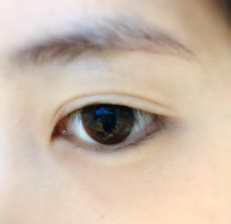 アイメイクをする前には必ず瞼をマッサージすること◎ 重い瞼が軽くなり二重ラインがくっきりします!