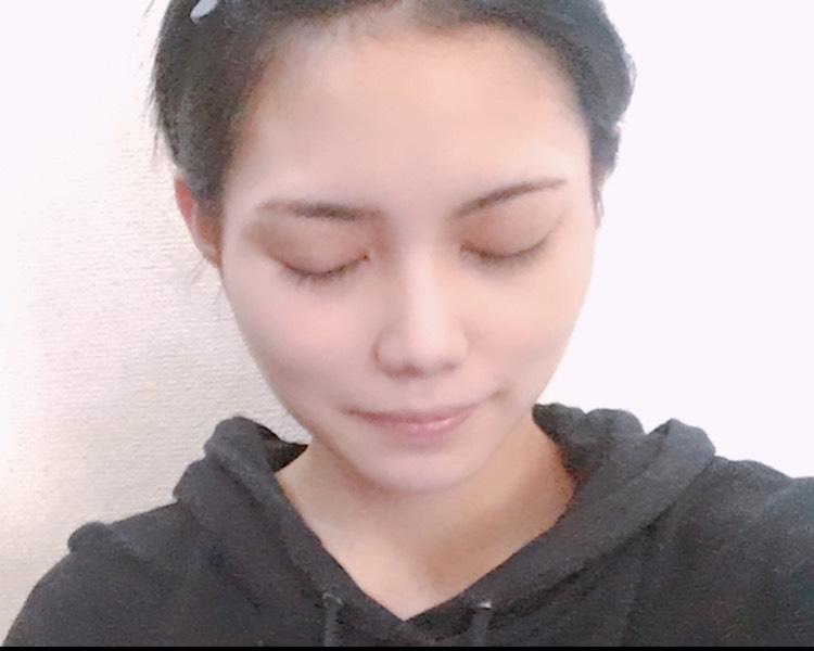キラキラ艶メイクのBefore画像