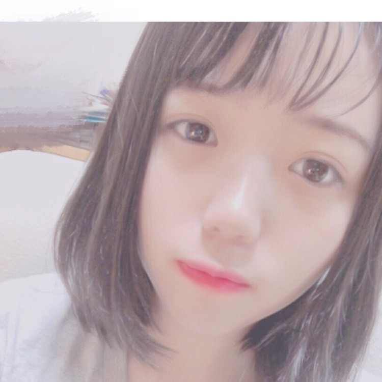 【大人風】赤リップで裸眼メイクのBefore画像