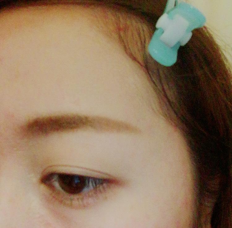 これでわたしの最近してる 地平線まゆは完了です!!  毛が生えてないところで まだ薄いなってところは 色を足して濃ゆくしてください。