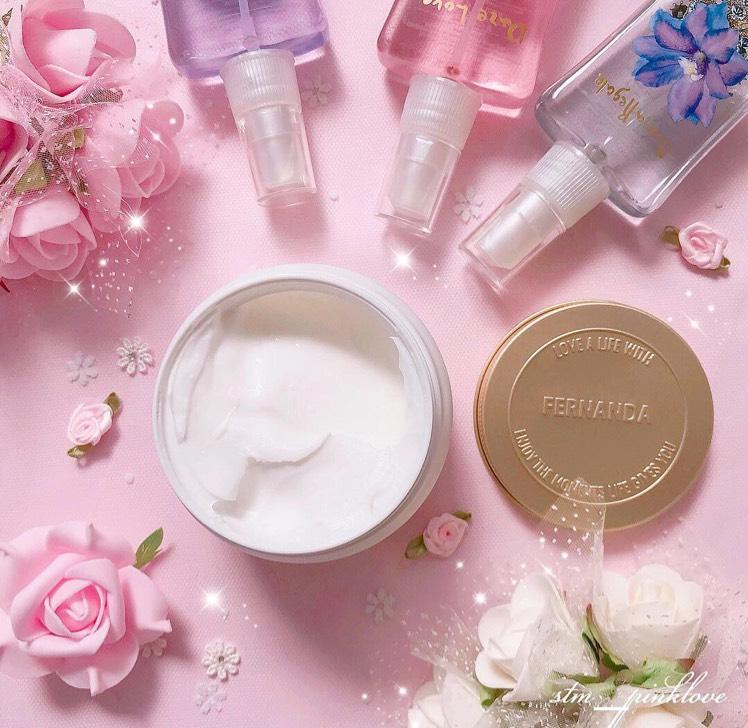 ハンドクリームとしても使えるし、ボディクリームもしても使えるのでお風呂上がりにつけてあげると全身いい香りになってもちもちお肌にしてくれます✨