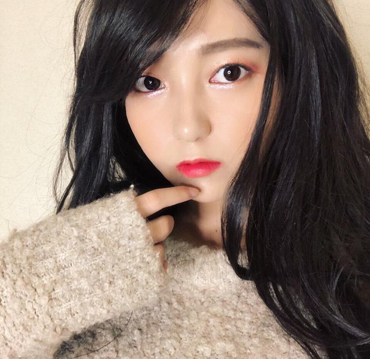 韓国ガール風赤メイク