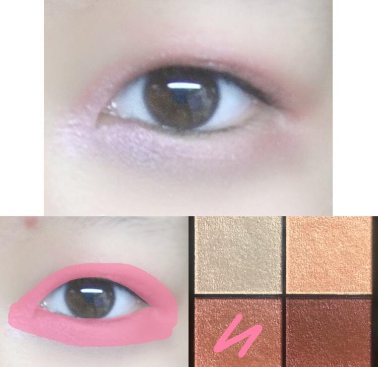 2.アイシャドウのピンクのカラーを目の周り全体的に塗ります。