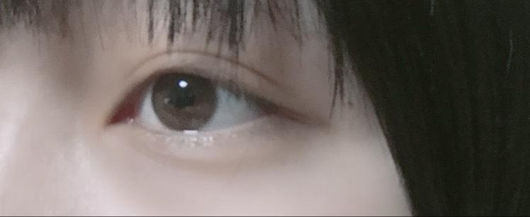 裸眼薄めオレンジメイクのBefore画像