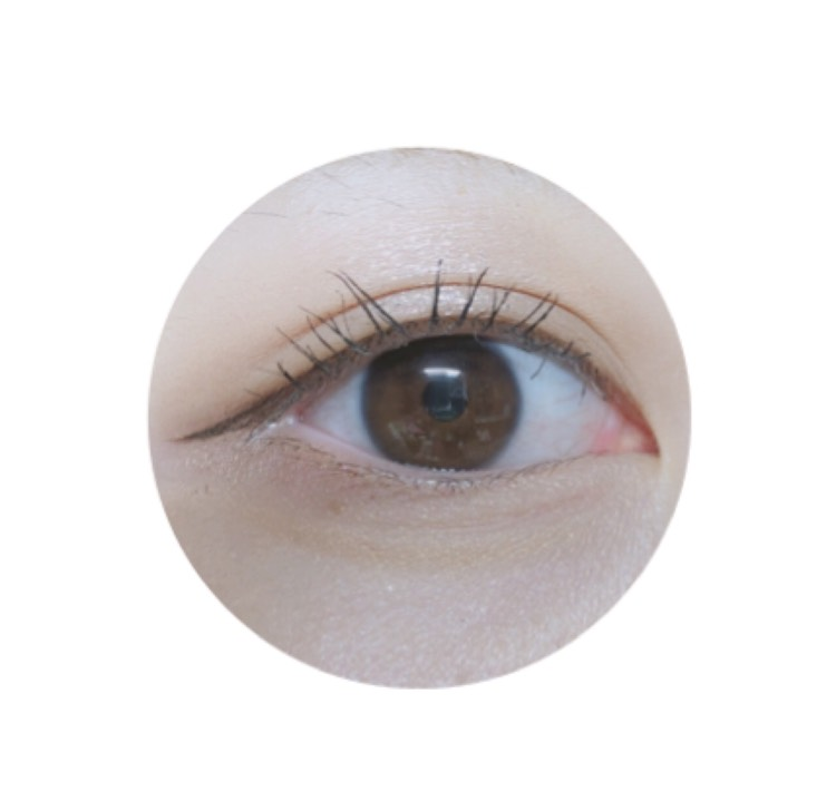 ○eye line ラブライナーのブラウンで目尻だけ、垂れ目に、長めに