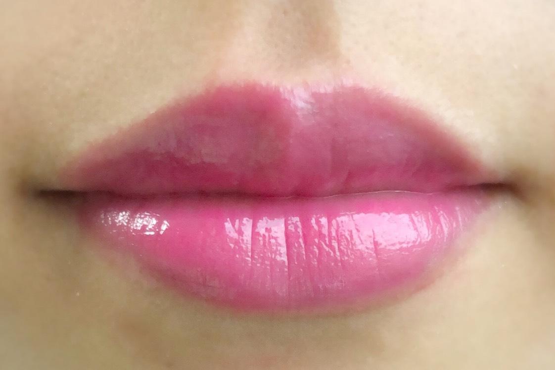 *901 ラズベリーチョコレートのような恋するピンク 青みピンクの色でこちらも全体的に塗るよりポンポン塗りがオススメです◎ 肌が白い方に似合いそう!