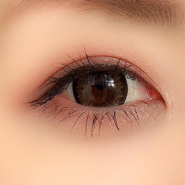ケイト ダークローズシャドウでピンクブラウンメイクのAfter画像
