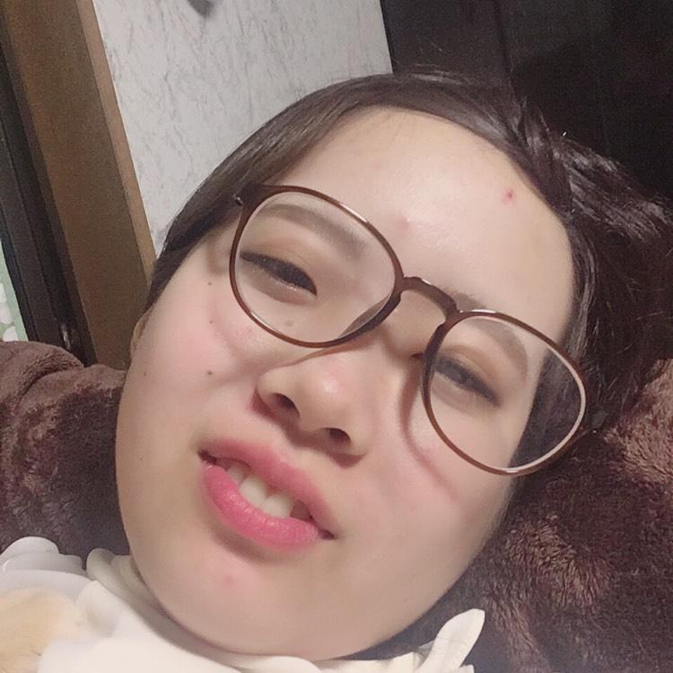 紗倉まなさん風メイクのBefore画像