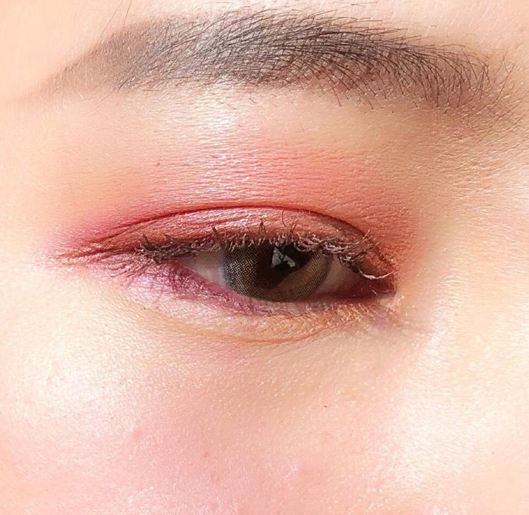 オレンジ・ピンク・プラムブラウンの組み合わせ可愛い😍 カラコンはブルー系にしました