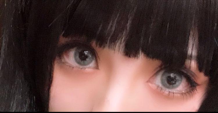 ドールっぽく立体をつけてみました。鼻筋の影を入れて目と鼻の奥行きをつけてみました。カラコンはTeAmoさんのFadeGrayです