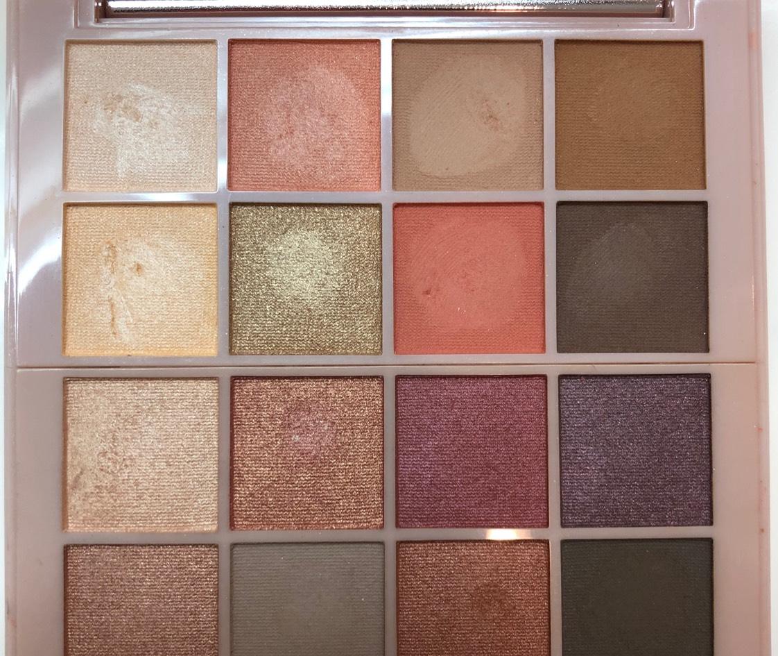 ベージュブラウン系で毎日使える安定カラー!